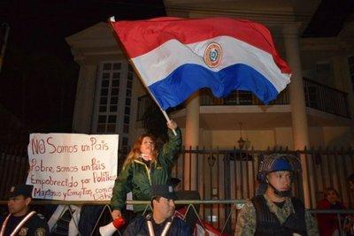 Incidentes durante escraches en Luque, Asunción y Cuidad del Este