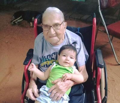 Excombatiente Capiateño celebra 101 años de vida