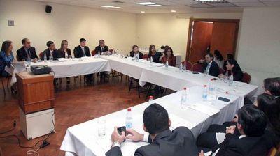 Ministra se reunió con jueces civiles de la capital