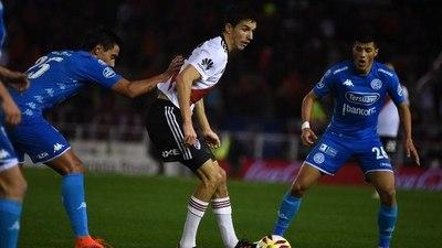 River no pudo contra Belgrano y empató de local en el Monumental