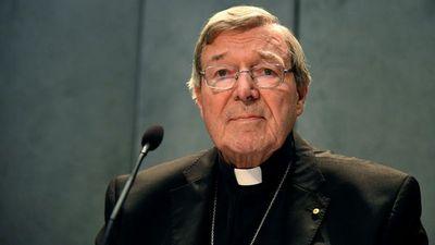 """El """"número tres"""" del Vaticano, imputado por abuso de menores"""