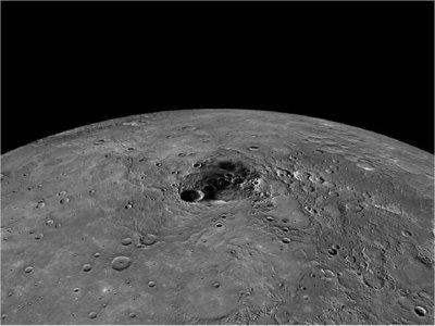 Confirman que hay hielo en los polos de la Luna
