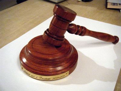 ¡Denunciadas dos abogadas por recusar a casi 50 agentes fiscales!