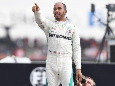Hamilton aspira a una tercera victoria