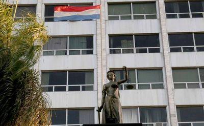 Universidad ofrece becas y descuentos a funcionarios