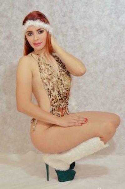 Miss Invierno: Pide bañarse con el ro'y