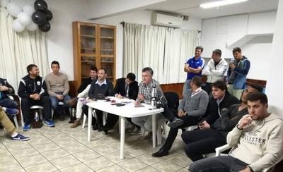 """HOY / Cinco clubes uruguayos piden """"cambio urgente"""" tras intervención de la FIFA"""