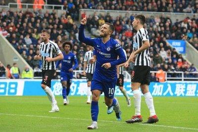 Chelsea y Watford mantienen el ritmo