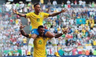 Brasil vence a un valiente México y clasifica a cuartos
