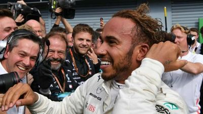 Hamilton priva a Ferrari de la victoria en Monza