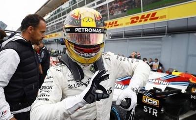 HOY / Golpe al Mundial: Hamilton se exhibe en casa de Ferrari