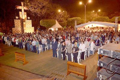 Exhibición del retablo de Chiquitunga aglomeró a miles de feligreses esteños