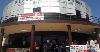 Profesionales de blanco exigen la construcción de Hospital General