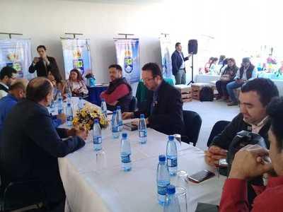 En desordenado debate, Junta Municipal decide trasladar sesión a sede de la Expo Norte