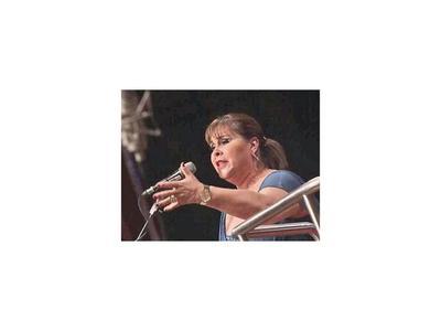 Rinden un  homenaje en vida   a la cantante Lizza Bogado