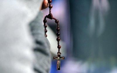 Cascada de investigaciones tras escándalo de Iglesia en Pensilvania