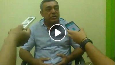 Oscar Chávez pide a funcionarios acudir junto a él si quieren cobrar sus salarios