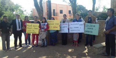 Vecinos del barrio San Miguel se manifestaron frente al Poder Judicial