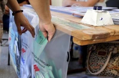 """HOY / Gobierno y partidos políticos instalan """"gran mesa de diálogo"""" para la reforma electoral"""