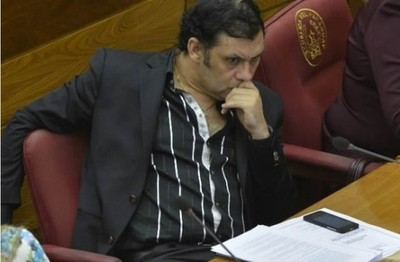 Senado postergó por 8 días desafuero de Víctor Bogado