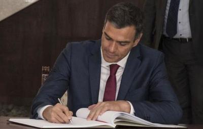 La tesis de Sánchez supera las pruebas antiplagio, según el Gobierno español