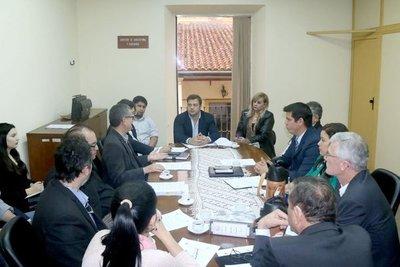 Unión de Gremios de la producción pide acortar prohibición para echar bosques
