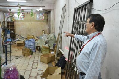 Desalojan a un chino  tras diez años de litigio