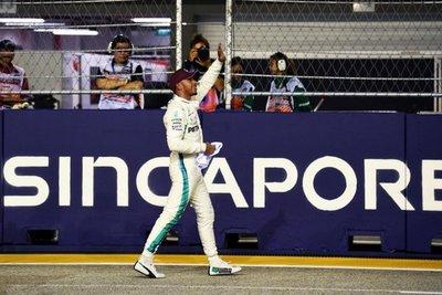 Hamilton, primero en Singapur