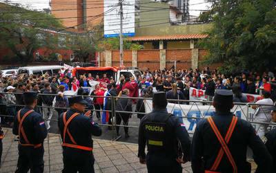 Funcionarios de Salud Pública levantan protesta tras acuerdo con autoridades