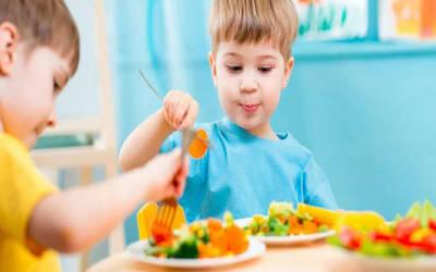 Instan a cuidar la alimentación de los niños, principalmente hasta los dos años