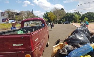 HOY / Jornada de limpieza y concientización en el Lago de la República de Ciudad del Este