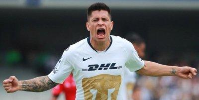 Iturbe grita a todo pulmón su primer gol con Pumas