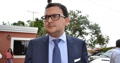 Defensa de Ulises Quintana alega «estrategia jurídica» para no presentarlo ante la justicia