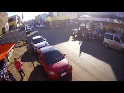 Circuito cerrado capta accidente en el circuito comercial