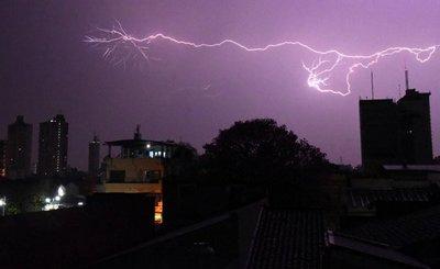 Sistema de tormentas se aproxima al país