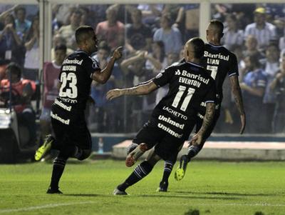 Gremio venció a Tucumán en Argentina y se pone arriba en la serie
