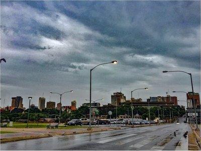Miércoles cálido pero con tormentas eléctricas