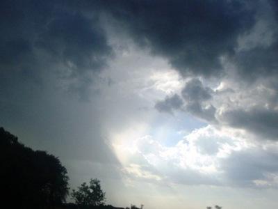 Lluvias y tormentas para hoy y mañana