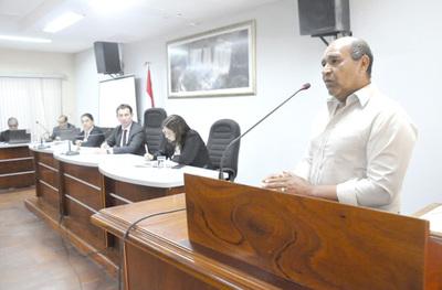 En oficina regional del Indert opera una mafia que vende tierras a los brasileños, denuncian