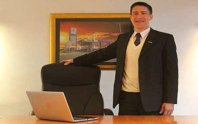 Ejecutivo designa a Wilka Materi como encargado de despacho de Petropar