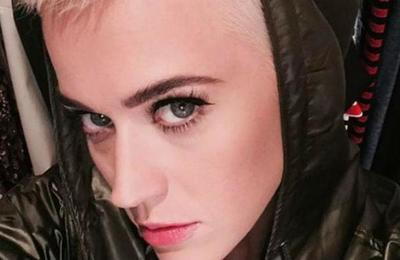 'La hermana del Joker': el arriesgado cambio de look de Katy Perry que sorprende a sus fans