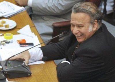 Cartistas, llanistas, oviedistas y luguistas salvaron a González Daher