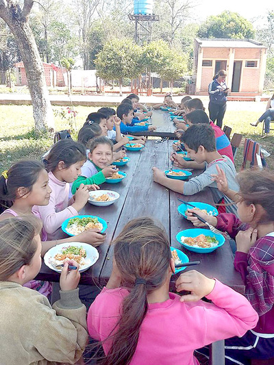Niños de dos escuelas quedan sin el almuerzo en Presidente Franco