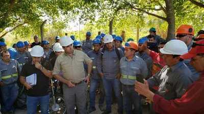 Contratados de INC piden cobrar sus salarios
