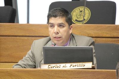 Dilatan proceso para destituir a Carlos Portillo de Diputados