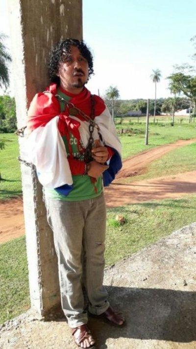 Se encadenan para exigir conclusión de hospital en Saldívar