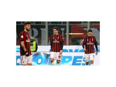 Milan cae ante el Atalanta y continúa en caída libre