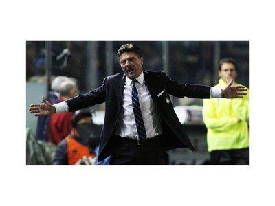 El Inter renueva al técnico Walter Mazzarri hasta 2016