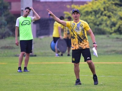"Toti Acosta ya ""ve la mano del técnico"""