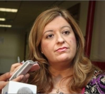 Quiñonez brinda apoyo a fiscales por su labor en caso González Daher